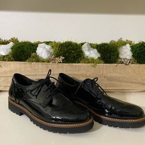 Mephisto black patent oxford loafers